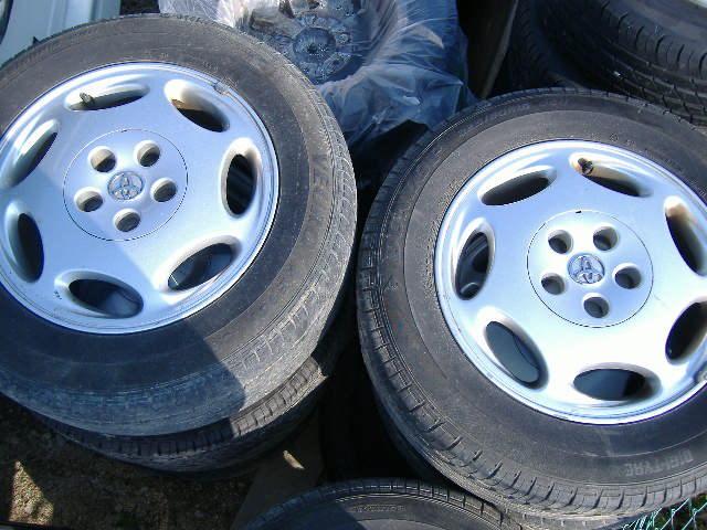 Toyota 16 inches tire 4 tire set.