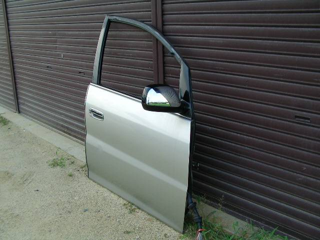 Right door of the Nissan Nadia.